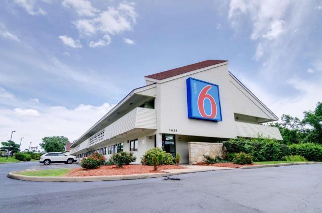 Motel 6-Kansas City, MO