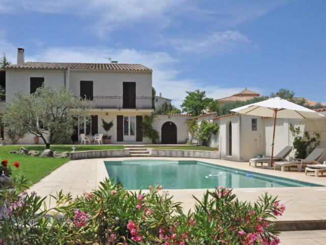 Stunning Villa in Mirabel-aux-Baronnies with Swimming Pool