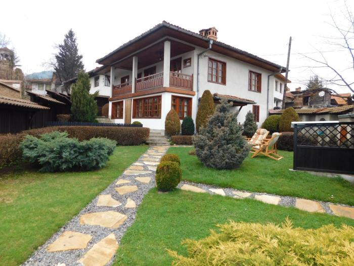 Family Vacation Home Topolnitza