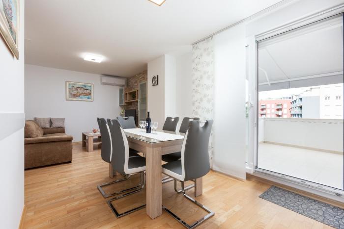 Apartment Roska II