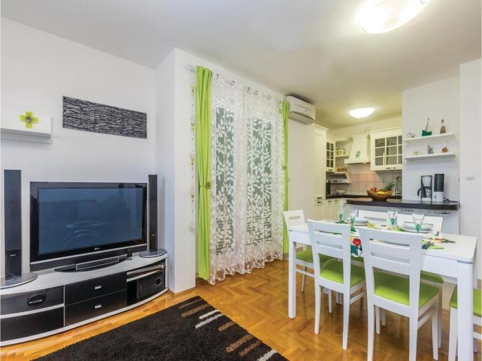 Two-Bedroom Apartment in Cizici