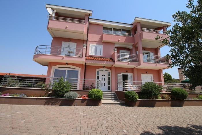 Apartments Marinić