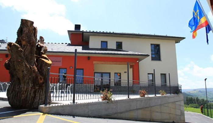 Albergue Restaurante Casa Herminia