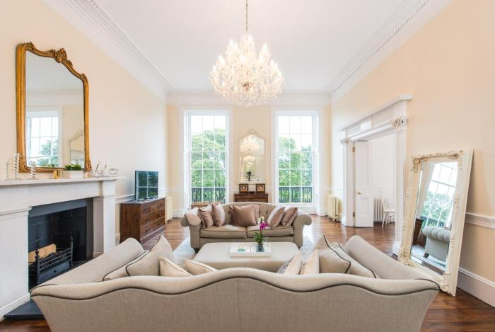 Scottish Stays Luxurious Apartment in Royal Terrace