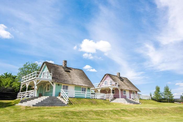 Domki letniskowe nad jeziorem Narie Pojezierce