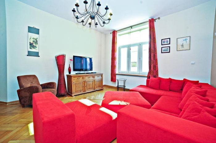 Red Apartment Czyżewskiego
