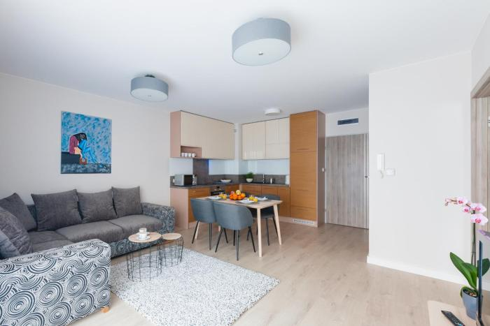 Raval Apartments Pure Silver