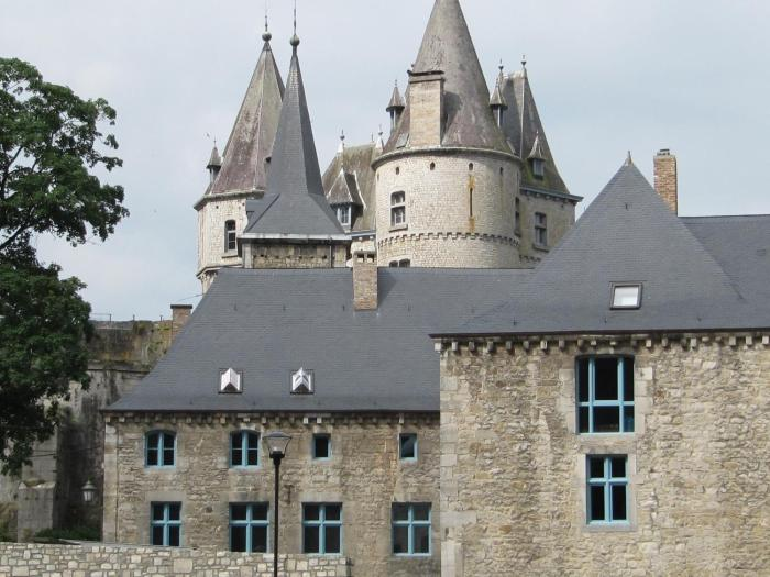 Les Roques Apartments in historical Monastery
