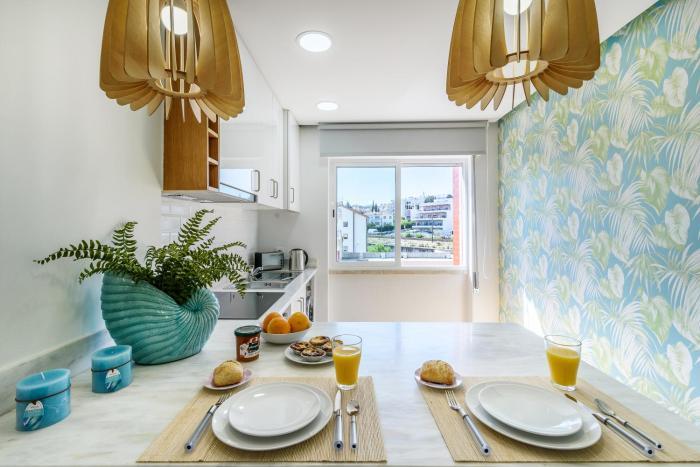 WHome   Paço D'Arcos Suite & Beach Apartment