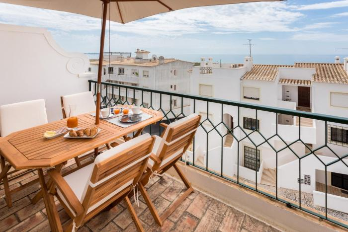 Luxury Villa at Meia Praia