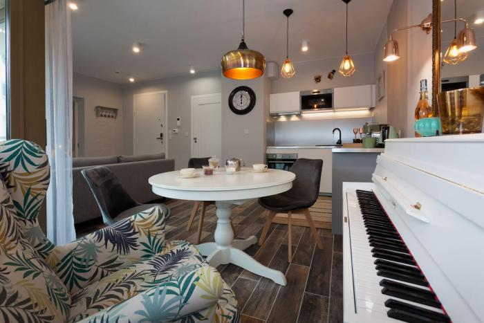 City of The Kings Piano Apartment