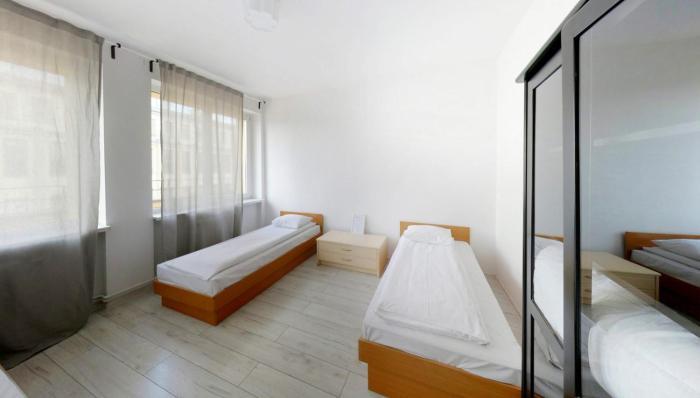 Penguin Rooms 3310 on 3 Maja Street