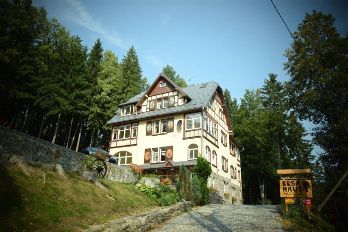 Elsa Haus