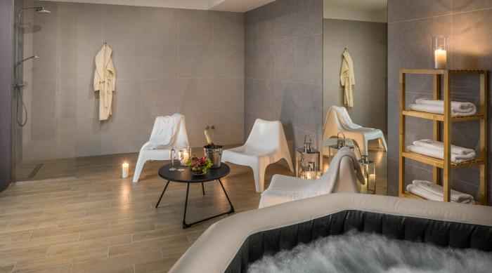 Apartments with event space and jacuzzi