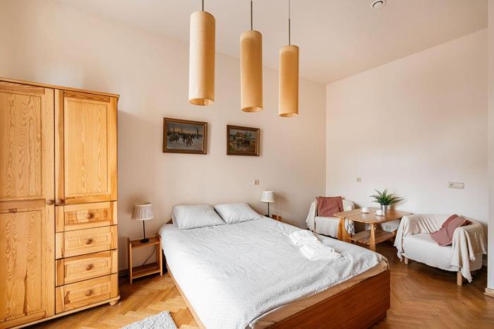 Nice double room with balcony - 4 min. from Market