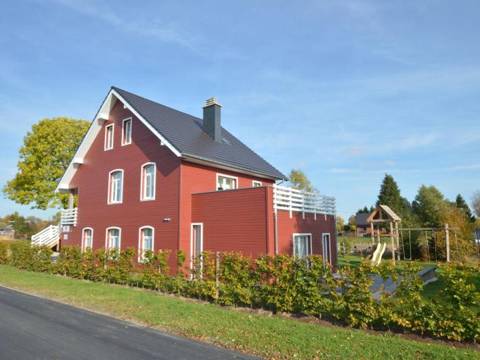 Spacious Holiday Home in Sourbrodt with Sauna