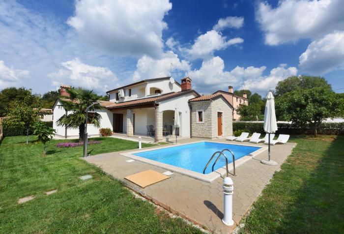 Villa Kmacici 376
