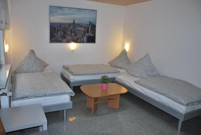 Cozy 2 BR Apartment near Cologne Deutz