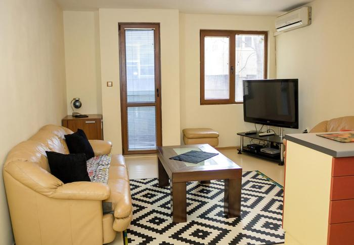 RED Square Family Apartment in Varna TOP Centre
