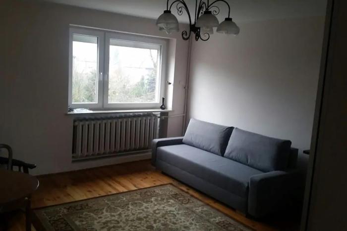 Square Room w cichej dzielnicy Torunia