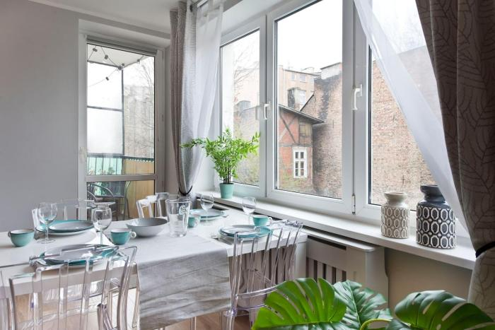 Stay Hip In Vibrant Centrally Located Apartment In Old Town