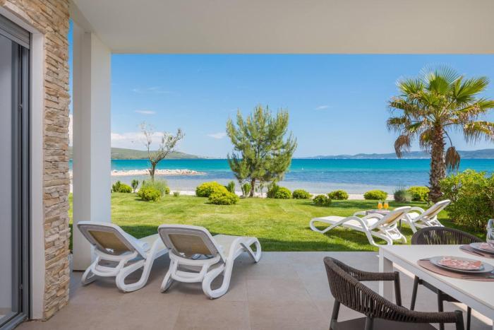 Luxury Design Beach Front Apartment