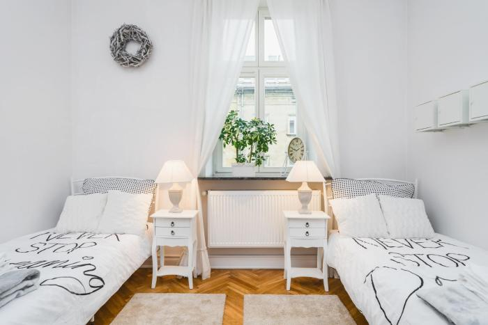 Luxury, 2 separate bedrooms for four by homeclick