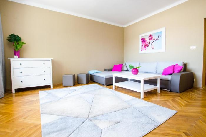 Apartment by the Chopin Airport