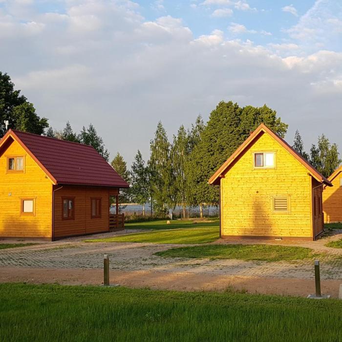 Domek wakacyjny nad jeziorem