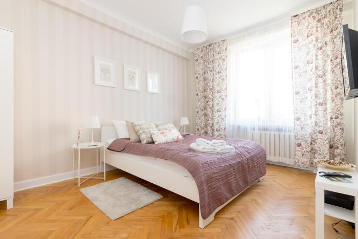 Chmielna Central Warsaw Apartment