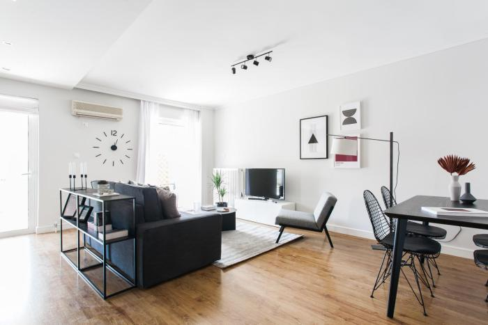 Bright 1BD Apartment with balcony in Chalandri by UPSTREET