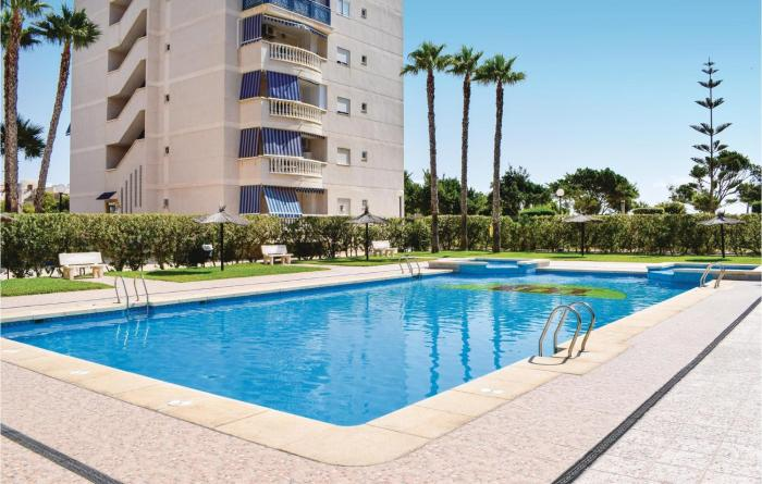 Amazing apartment in Los Arenales del Sol w WiFi Outdoor swimming pool and 2 Bedrooms