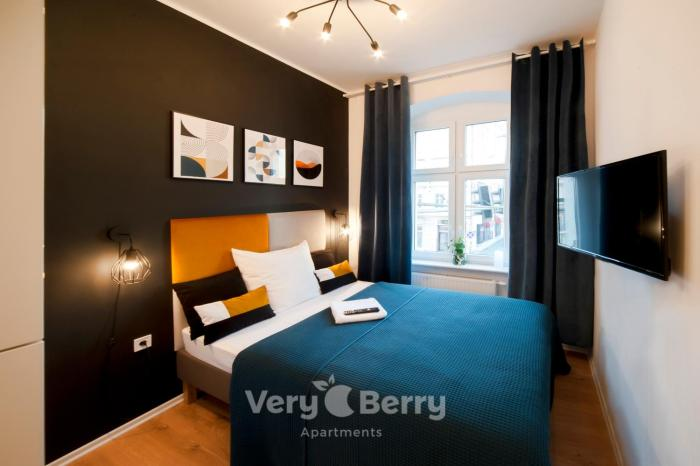 Very Berry Glogowska 35a MTP Apartments self check in 24h