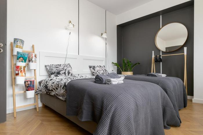Lovely flat with parking strict center