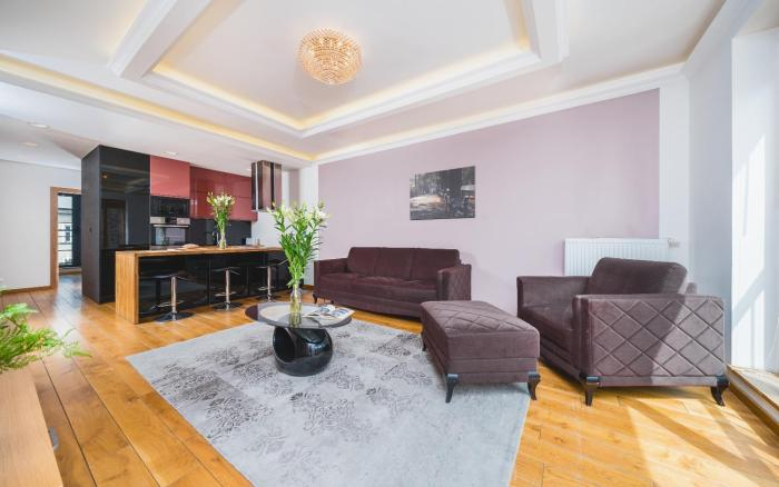 Deluxe Apartment in the Old Town With a Garage 3 min from Main Station