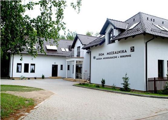 Muzeum Archeologiczne w Biskupinie Dom Muzealnika