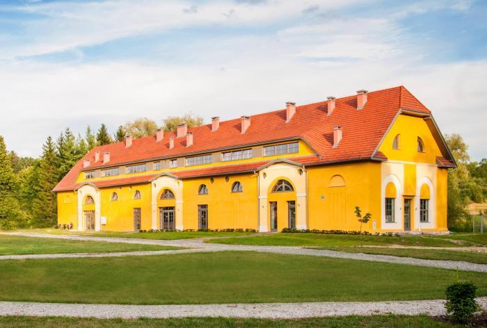 Pokoje Ornamental Farm Bukowiec