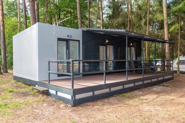 Pole Namiotowe Głęboczek Rekownica Mazury Domek 2 x sypialnia Salon Łazienka z widokiem na jezioro