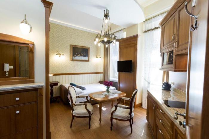 Luxury Apartment Czapskich Street