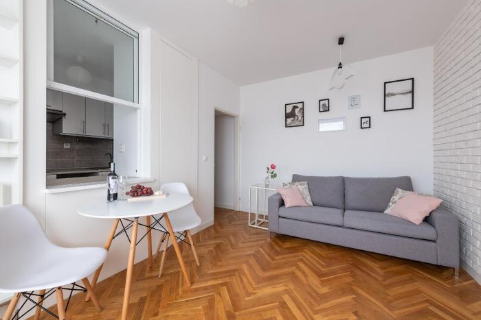 SleepWithUs Tamka Apartament