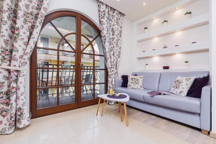 Apartament Neapol Rezydencja Sienkiewicza by Renters