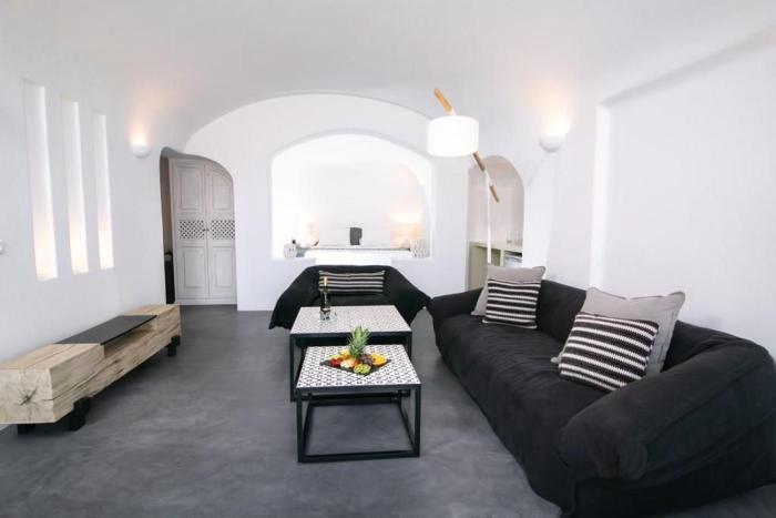 Luxury Santorini Villa Ocean Breeze Villa Sea Caldera View Jacuzzi Plunge Oia