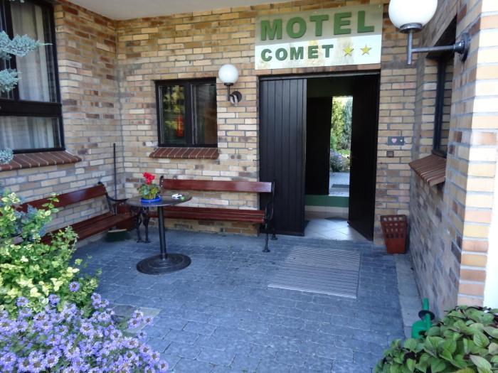 Motel Comet