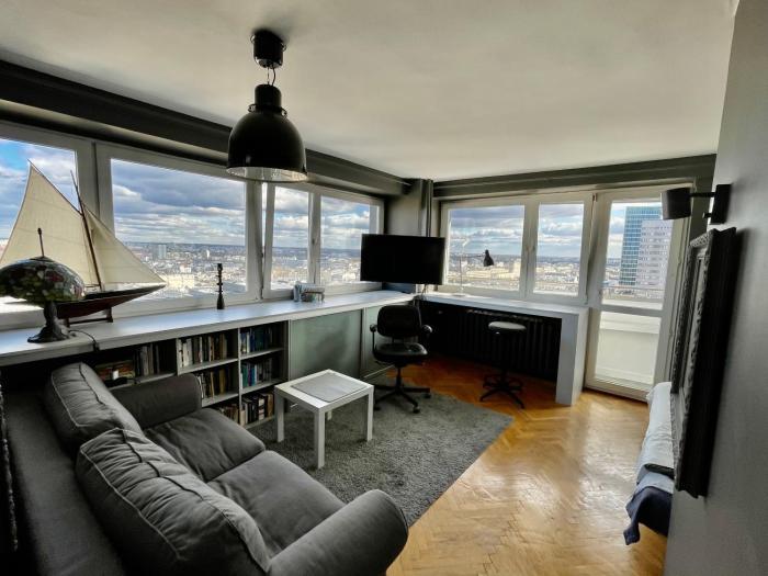 Super Apartament GREY Centrum 2x Metro Fast WiFi 300 Mbs Netflix AppleTV SmartTV Spotify Panorama Miasta