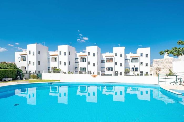Apartamento T1 Carvoeiro cpiscina e a 300m Praia