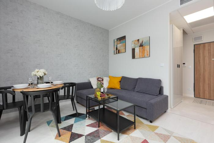 Business Center Apartments Warsaw Wola by Renters