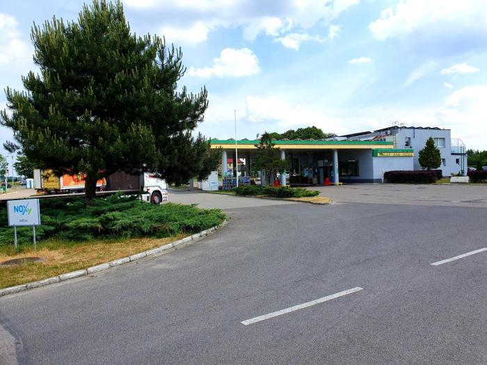 motel na stacji paliw