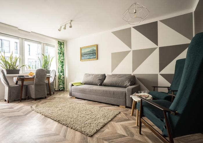 oompH Warsaw Central Apartment with Balcony