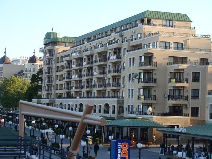 Admiral Apartments