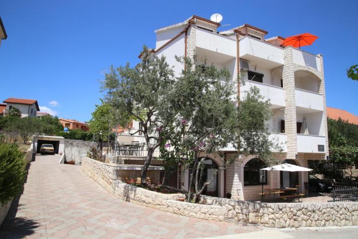 Apartments Krišto